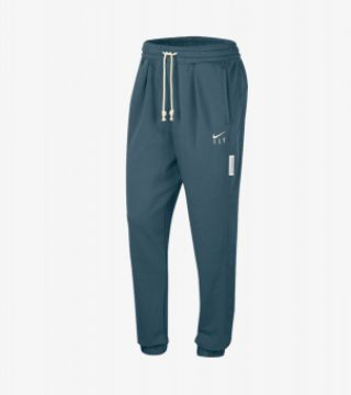 SWOOSH FLY STANDARD ISSUE