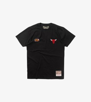 BULLS EMBROIDERED TEE