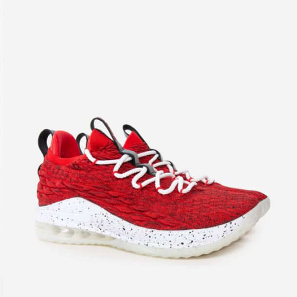 LEBRON XV LOW UNIVERSITY RED