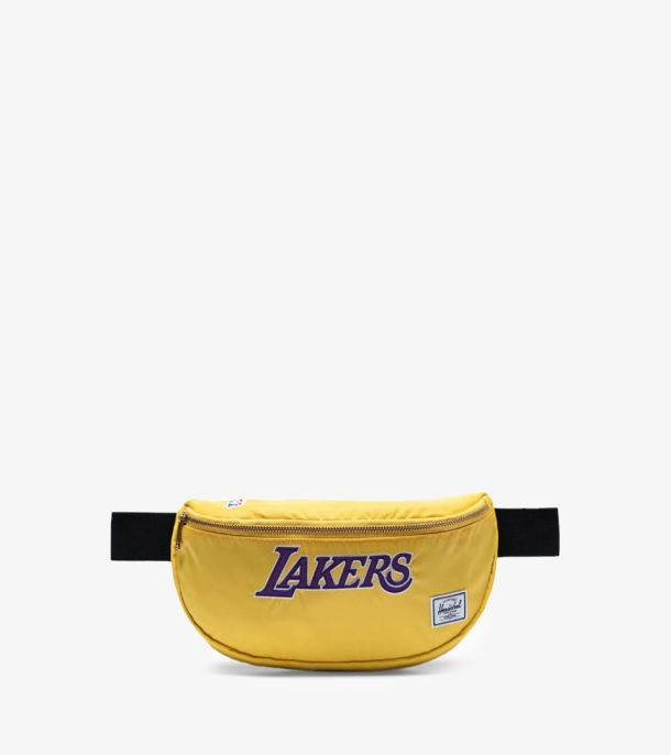 SIXTEEN LAKERS HIP PACK CHAMPIONS