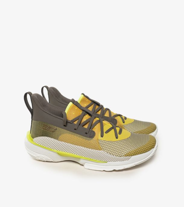 CURRY 7 YELLOW GS