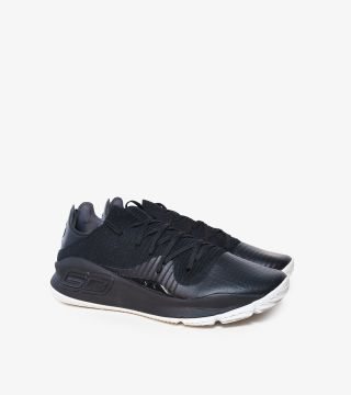 CURRY 4 LOW BLACK