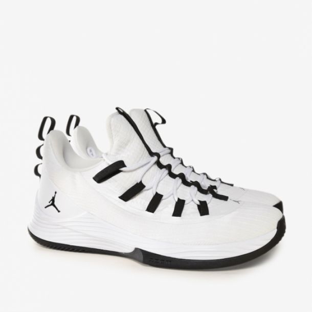 JORDAN ULTRA FLY 2 LOW BLACK WHITE