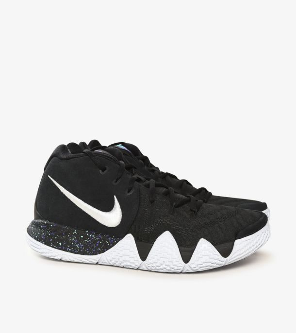 KYRIE 4 BLACK WHITE