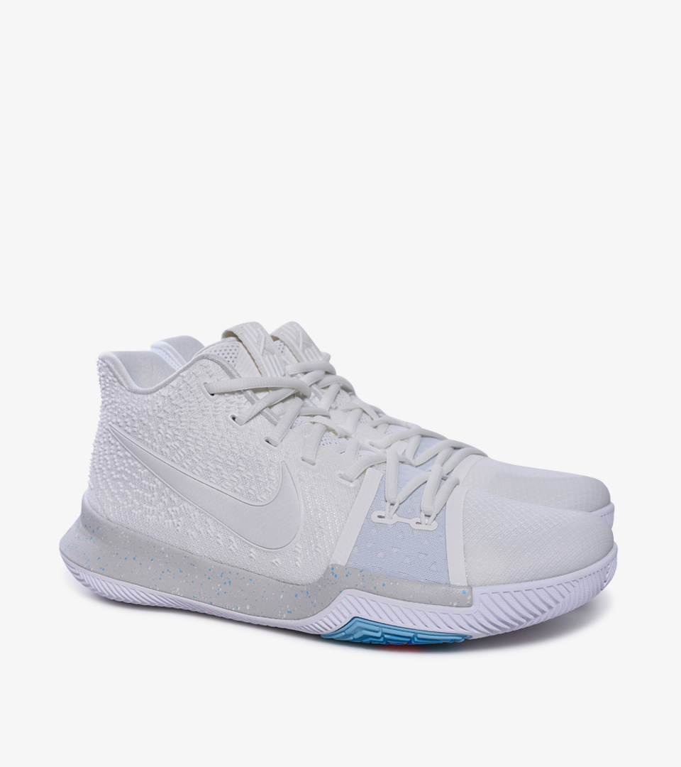 on sale f93a9 4d9a5 KYRIE 3 IVORY | Nike | 852395-101 | Double Clutch